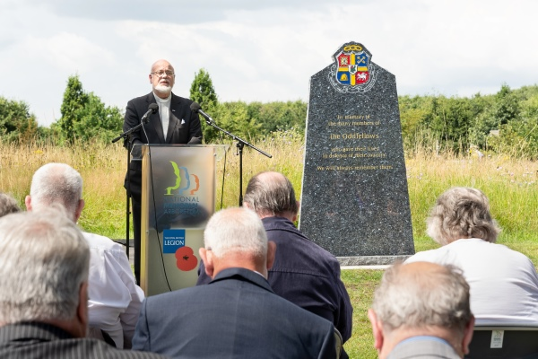 Reverend Bruce Nicole addresses guests at unveiling of the Oddfellows Memorial